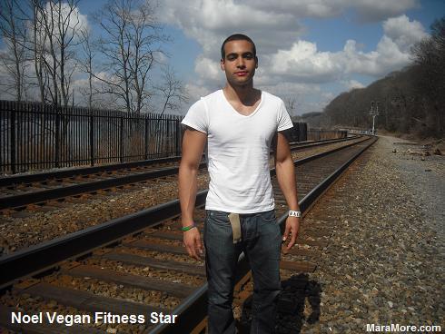 2012.03.20NoelVeganFitnessStar